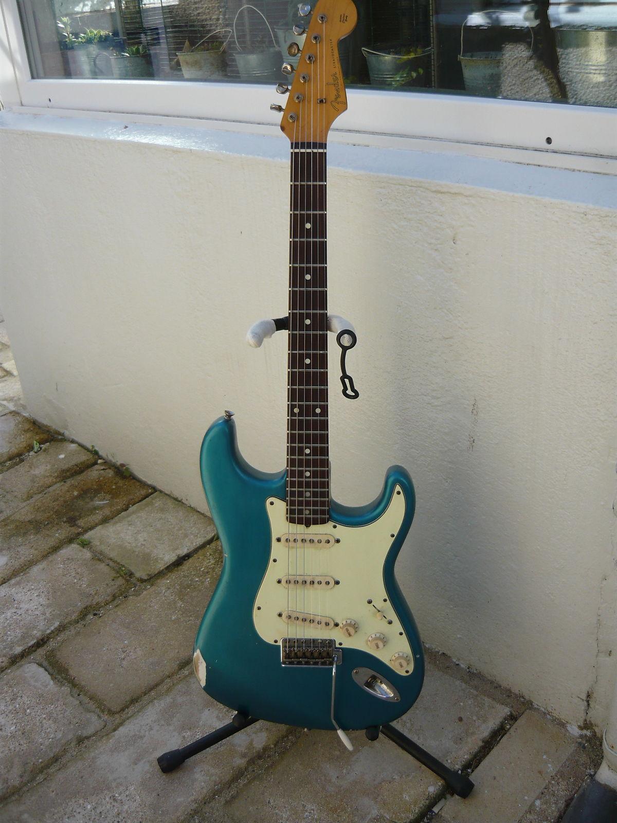 Fake 1961 Stratocaster
